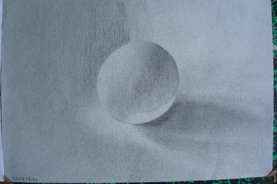 Balle de ping-pong au crayon 2H - HB -2B